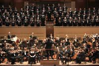 In the fall, guest conductor Tomas Netopil led teh Dallas Symphony and Dallas Symphony Chorus in an excellent all-Czech program.