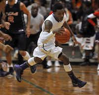 Lincoln high school's Erick Neal will play basketball at the University of Texas at Arlington. He plans to major in kinesiology/sports medicine.(DMN file photo<137>Mark M. Hancock<137> - <137>Special Contributor<137><137><252><137>)