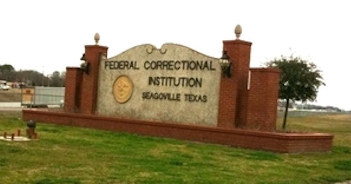 Former North Texas Prison Administrator Given Probation