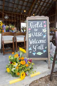 A warm Texas welcome awaited guests for the Field to Vase dinner.( California Cut Flower Commission  )
