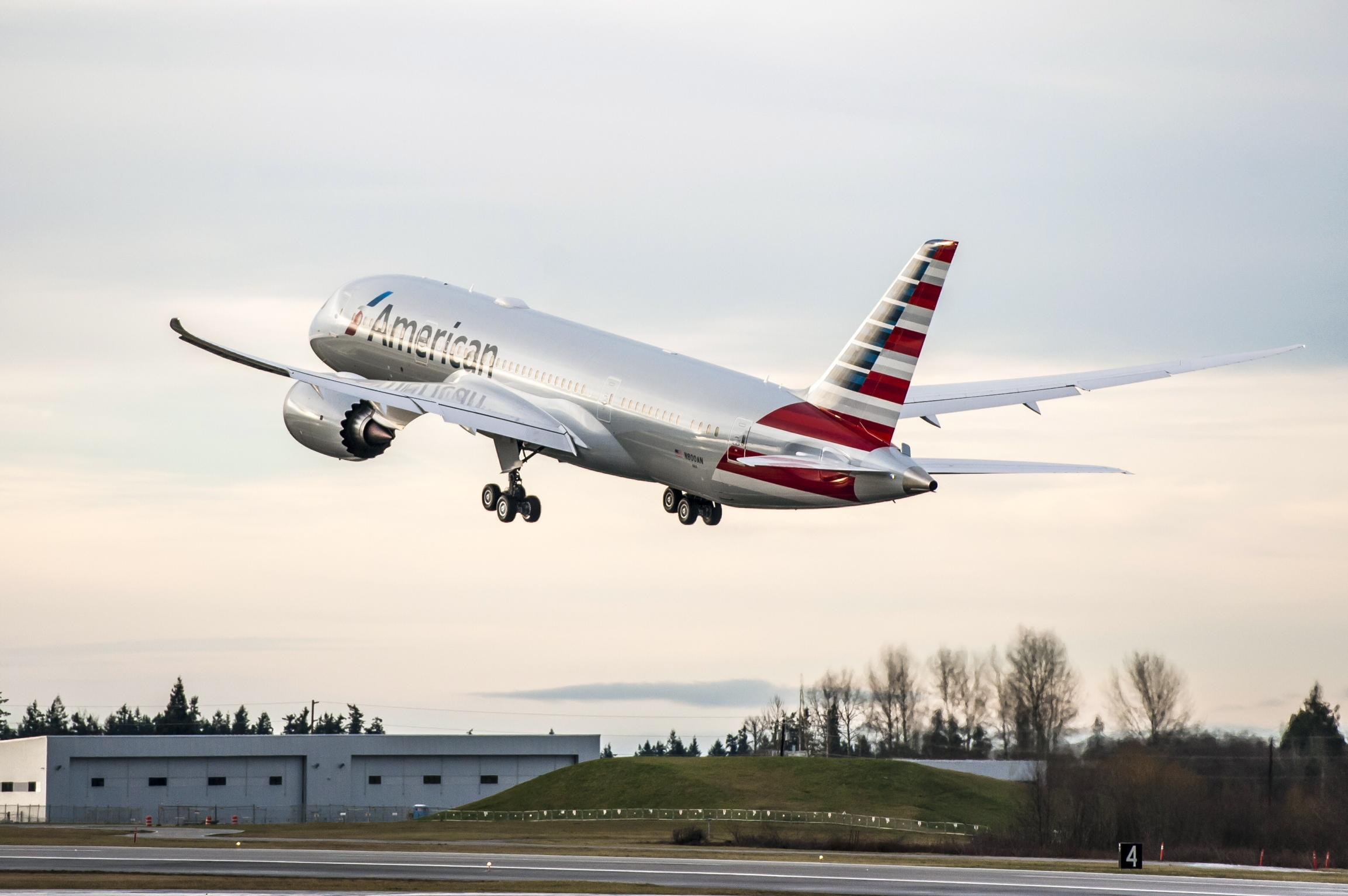 First-Boeing-787-flight-Jan.-6-2015-AA-p