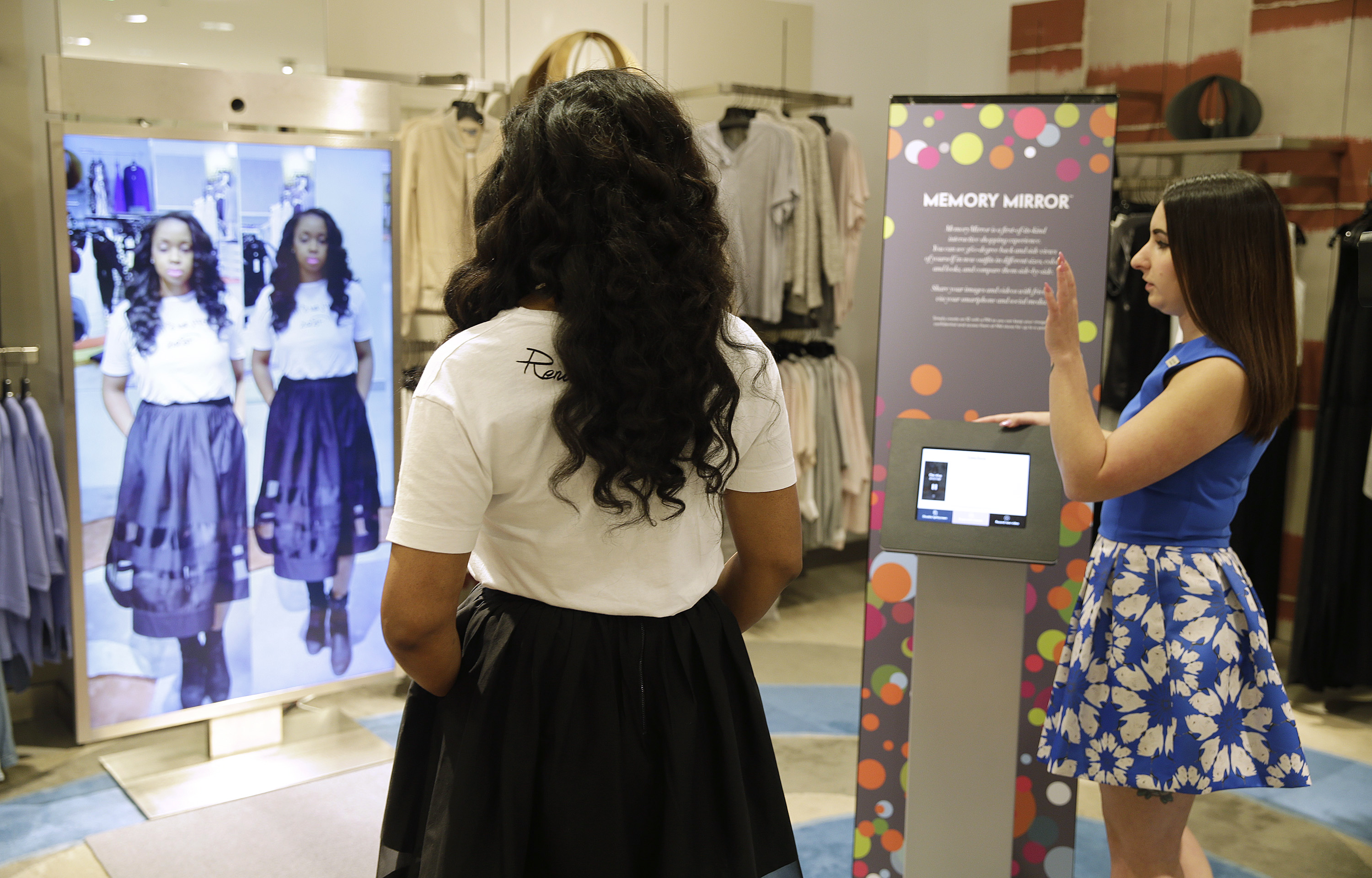 902a9f6067e High-tech fitting room  smart  mirrors could help you be the fairest one of  all