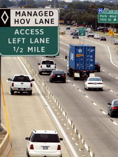 f04b4b00302 As officials mull HOV lane changes