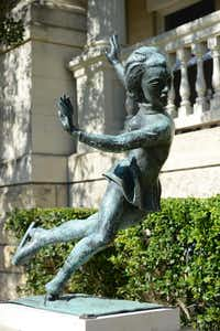 A wealth of local artwork adorns Hotel Ella, indoors and outside. Most of the sculpture comes from the Charles Umlauf family in Austin.( Hotel Ella  -  Hotel Ella )