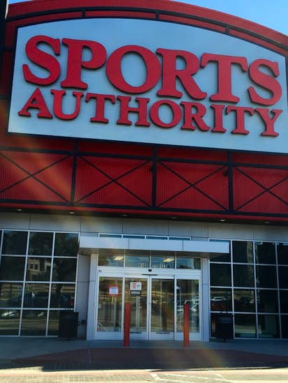 e5b63419f9cc1 Sports Authority employees told 25 Texas stores closing