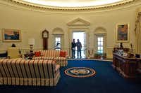 The Oval Office is replicated at the Clinton Library.