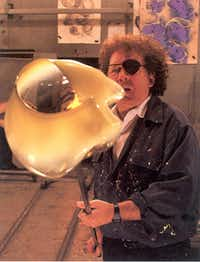 Glass sculptor Dale Chihuly was all temperamental artist -- until a question about high school.