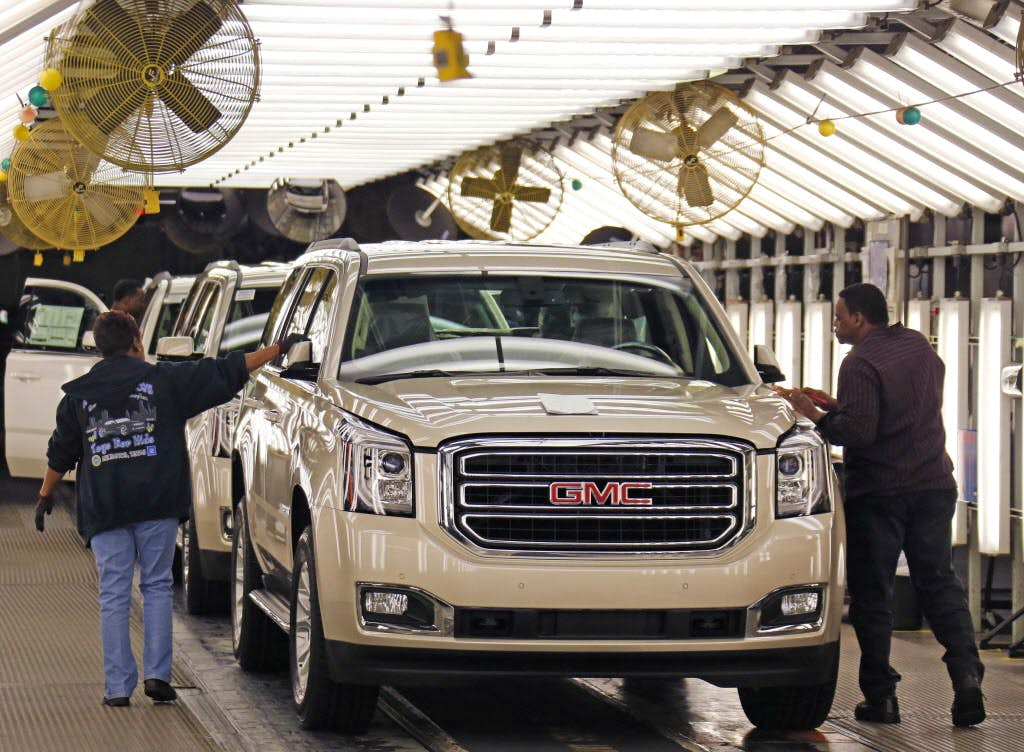 General Motors Ceo Visits North Texas To Consider 1 2