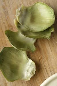 How to prepare an artichoke. 6. Eat the part at the base.