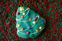 Choose from classic and local Dallas themes for cookie decoration.