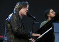 Jackson Browne opened for Jimmy Buffett and the Coral Reefer Band on Saturday night at FC Dallas Stadium in  Frisco.