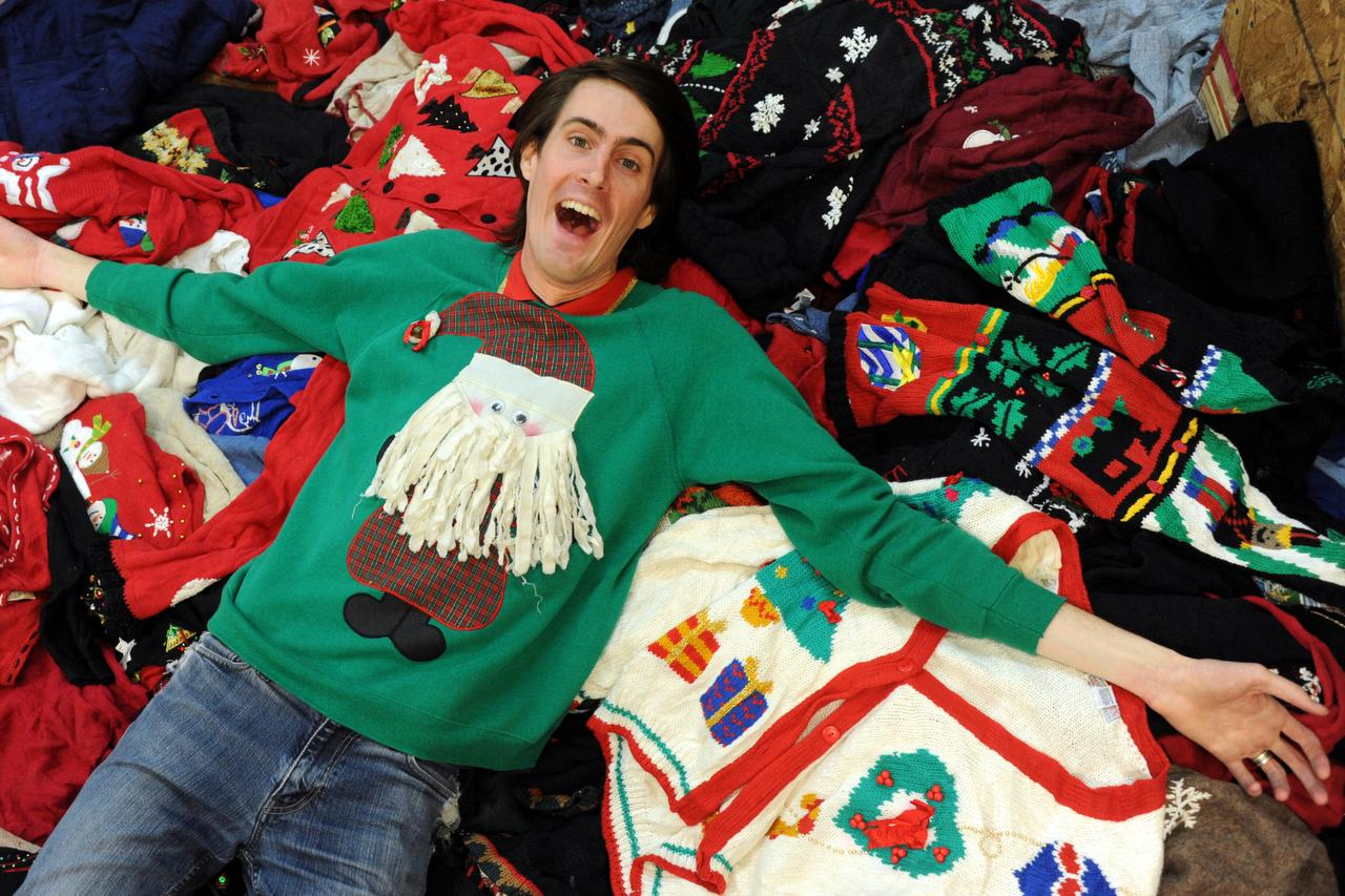 Two Dallas ugly Christmas sweater stores have a knit to pick with ...