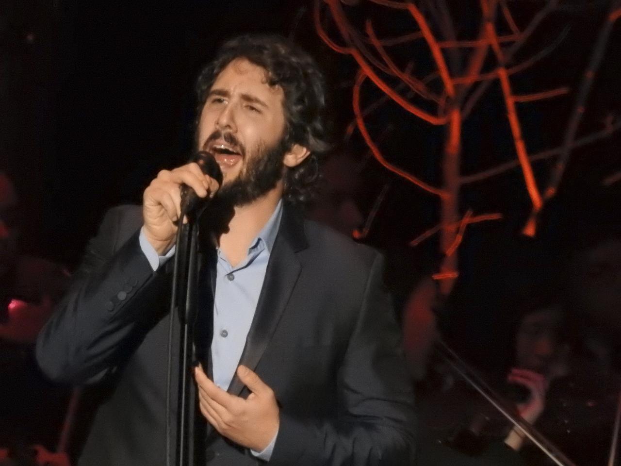 Josh Groban wows the crowd at Fair Park Music Hall | Arts | Dallas News
