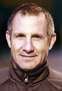 Vic VinesMichael Ainsworth