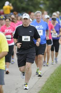 Martin Schreiber begins the the 10k race of the Tour des Fleurs behind the Dallas Arboretum on Saturday, Sep. 15, 2012.
