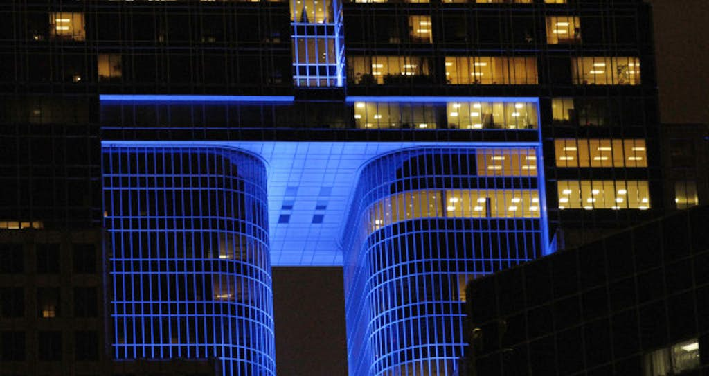 once dark downtown dallas increasingly shines with light downtown