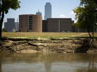 The Frank Crowley Courts Building's proximity to the Trinity River creates pests problems, including issues with rats and roaches.(G.J. McCarthy - Staff Photographer)