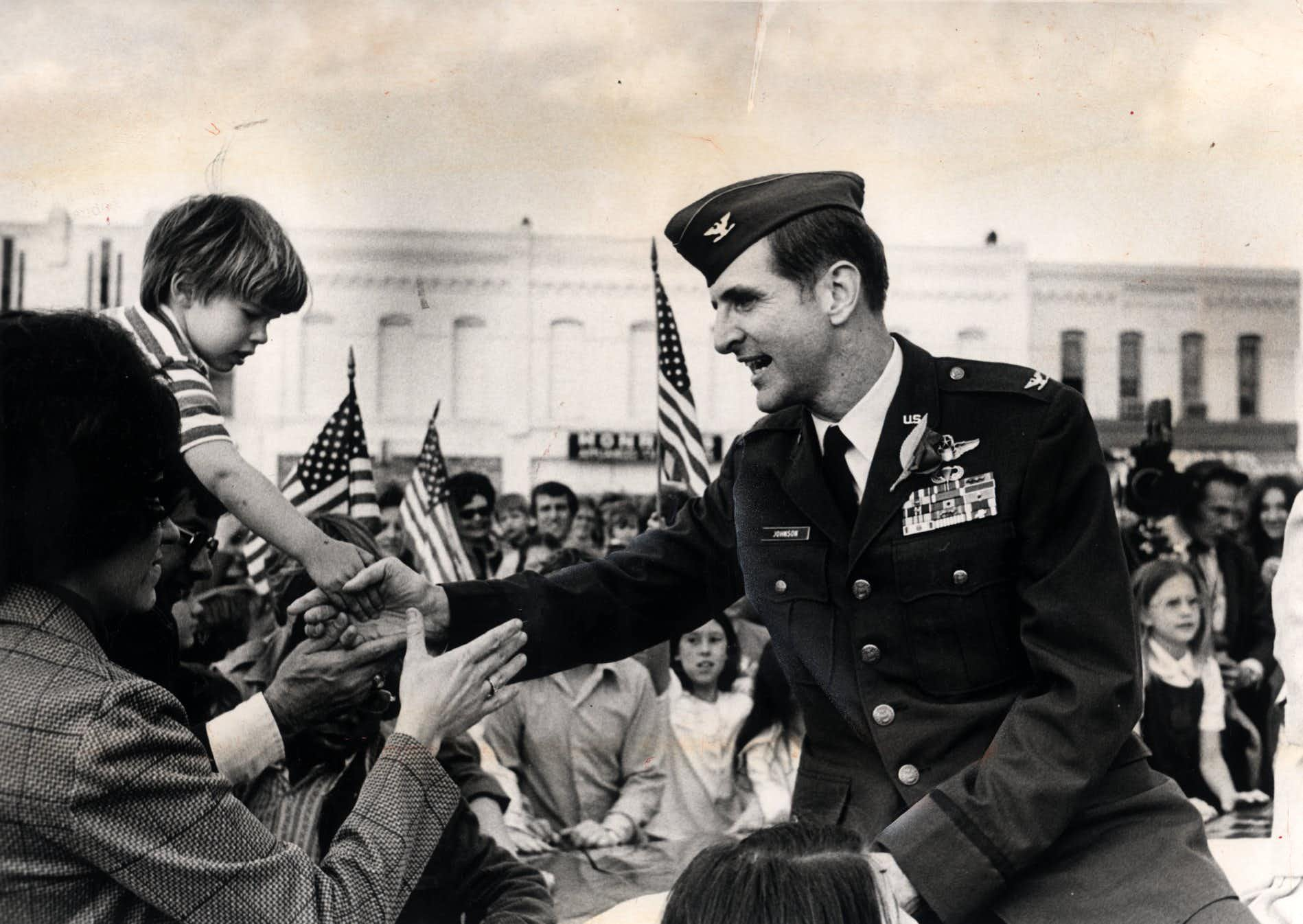 Future congressman and Air Force Col. Sam Johnson at his homecoming in Plano on March 6, 1973, after being released from seven years of captivity in Vietnam.