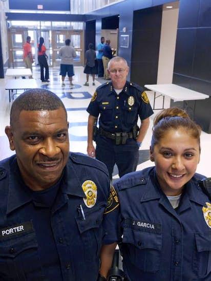 Security Jobs In Dallas >> Dallas Area School Districts Boosting Campus Security Efforts