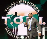 """Before anything is achieved, your comfort zone must be disturbed,"" Super Bowl XXXV MVP Ray Lewis told graduates of the Texas Offenders Reentry Initiative.(Nathan Hunsinger - Staff Photographer)"