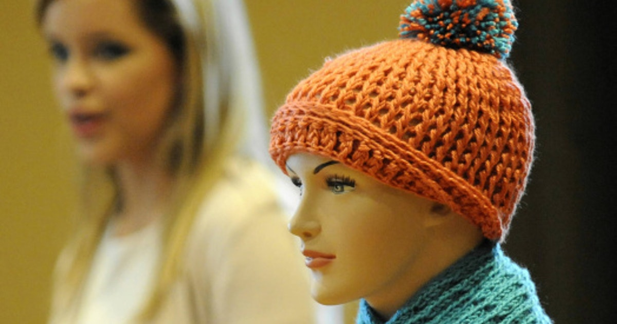 Knitting Scarves For The Homeless : Volunteers knit scarves for the homeless in dallas one