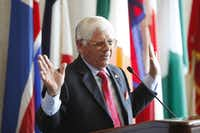 Hall of Fame golfer Lee Trevino was among the dignitaries to unveil plans Friday for a new golf course in southern Dallas. Dallas hopes it will open in 2016.