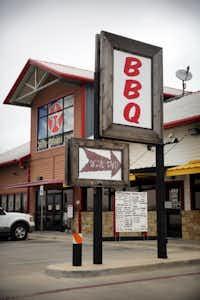 BBQ on the Brazos has a drive thru.( Tom Fox  -  Staff Photographer )