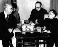 May 30, 1979 - PEKING - Ambassador Robert Strauss (left), U. S. special trade representative, confers with Chinese Vice Premier Deng Xiaoping May 30. China and the U.S. again ran into a deadlock May 30 on crucial negotiations to limit Chinese textile imports and only a high-level intervention seemed likely to save the pact vital to China-United States trade.( UPI )
