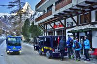 Zermatt has no cars and transportation is provided by electric buses and electric taxis.( Michaela Urban )