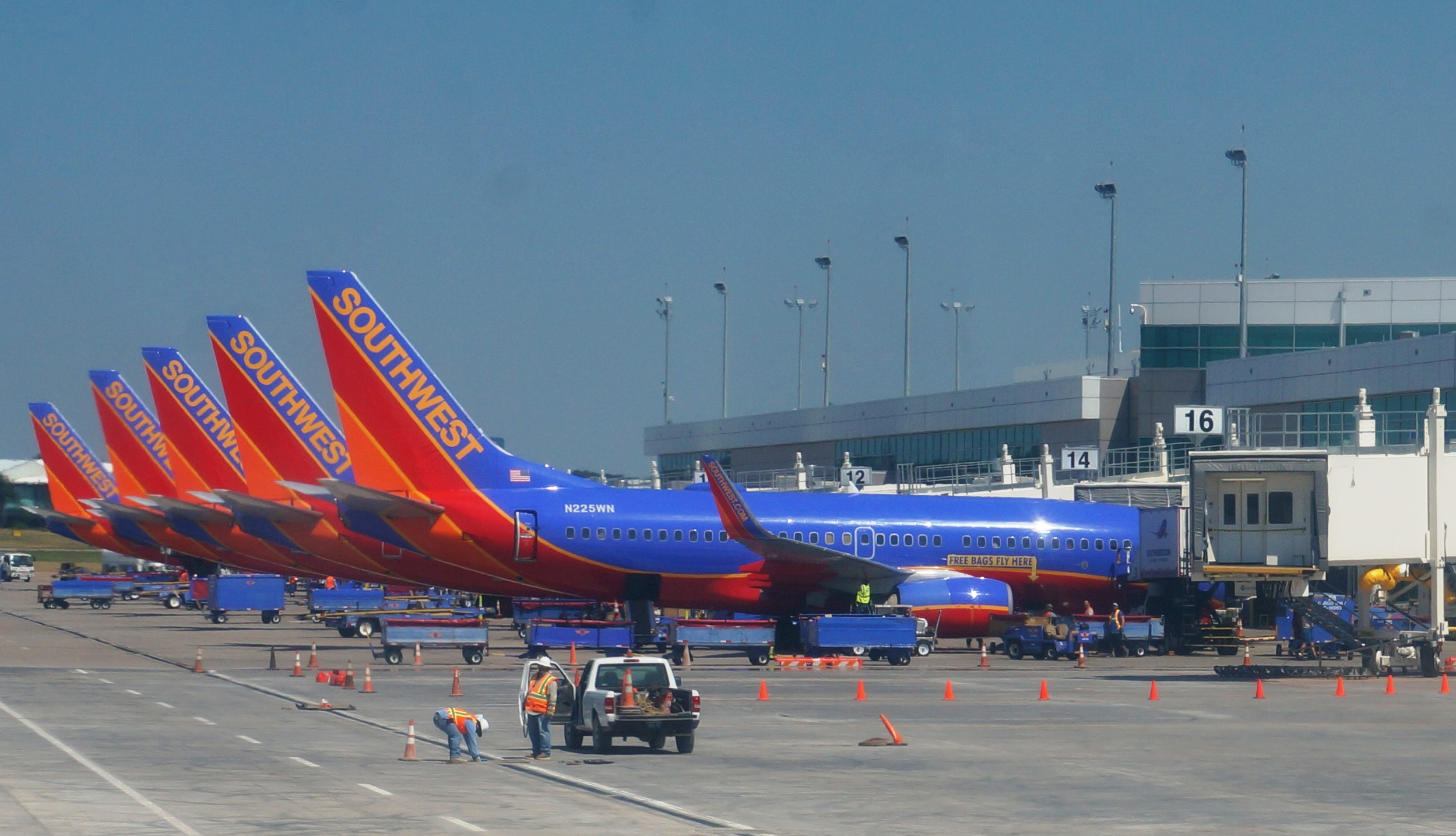 southwest airlines grounds 128 boeing 737 airplanes for missed