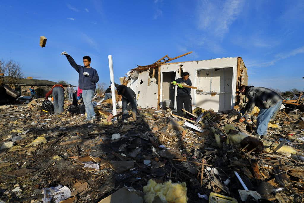 Tornado relief efforts get a boost from Major League Baseball and players association