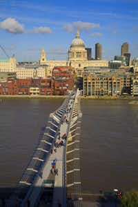 The Millennium Bridge spans the Thames River near St. Paul's Cathedral.( Pawel Libera  -  London and Partners )