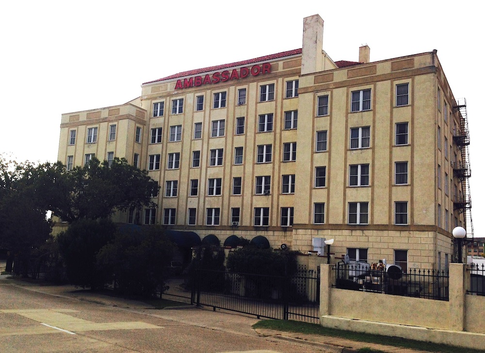 Century Old Ambador Hotel To Be Apartments Rooftop Bar With Dallas Skyline View Business News