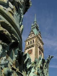 Hamburg's Rathaus (city hall) is a sight to behold. Located in Altstadt quarter in the city center, it is one of the most spectacular anywhere, with breathtaking coffered ceilings.