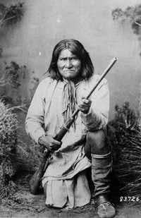 The grave of Apache chief Geronimo is on the grounds at Fort Sill.( National Archives )
