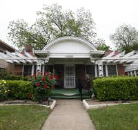 """Pat Hall hasn't announced an asking price for her Oak Cliff house where Lee Harvey Oswald was living on the day of the Kennedy assassination. But """"it's not going to be too low,"""" she said. """"I'm selling history here."""""""