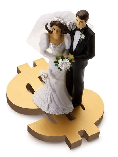 easy ways to save 10 000 on your wedding expenses money dallas news