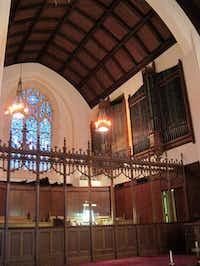 The 1949 Aeolian-Skinner organ at First Presbyterian Church in Kilgore dates to 1949.