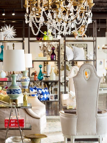 Laura Lee Clark Dallas Showroom Kicks Off Weekend With Friday