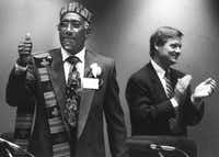 Dallas City Council member Al Lipscomb gives a thumbs-up after being elected mayor pro tem in December 1991.