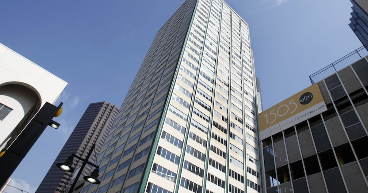 Downtown Dallas Mosaic Loft Apartment Towers To Investors Who Plan Renovation