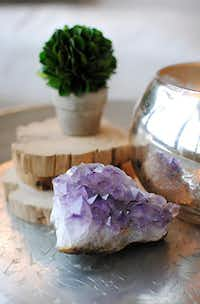 Minerals are one of the decorative accessories frequently used, because of current interest in natural materials.Homepolish