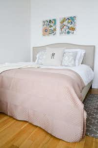 Padded headboards are popular.( HomePolish )