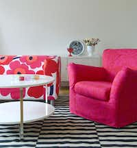Unikko Fandango: IKEA's Fandango chair and Klippan sofa get makeovers with slipcovers by Bemz.( Bemz )