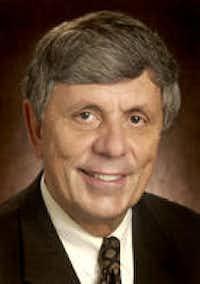 Dr. Thomas Royer