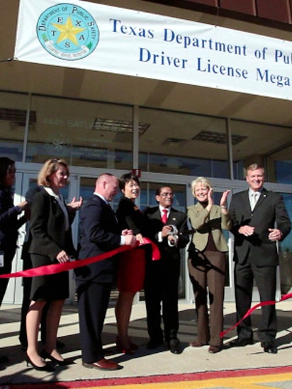 New driver's license megacenter opens in Garland