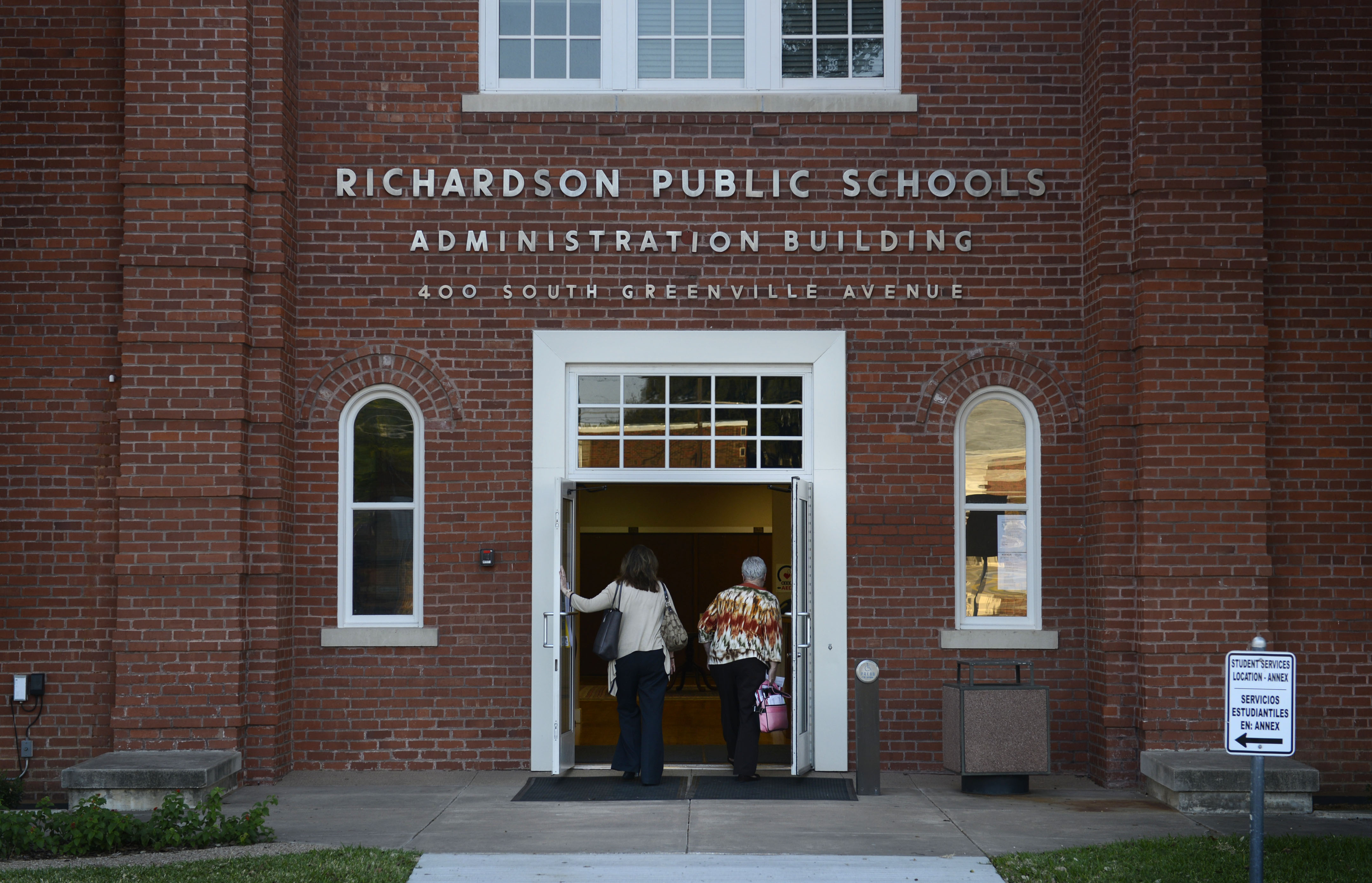 Opponents of $437M Richardson ISD bond say vote yes PAC is funded