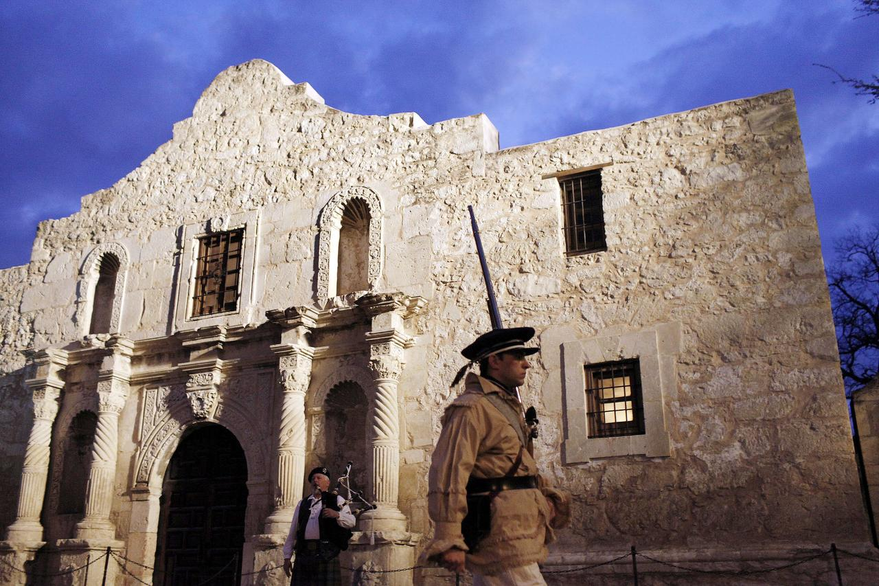 an essay on the alamo View essay - historiography paper on the alamo from hist 432 at denison  university.