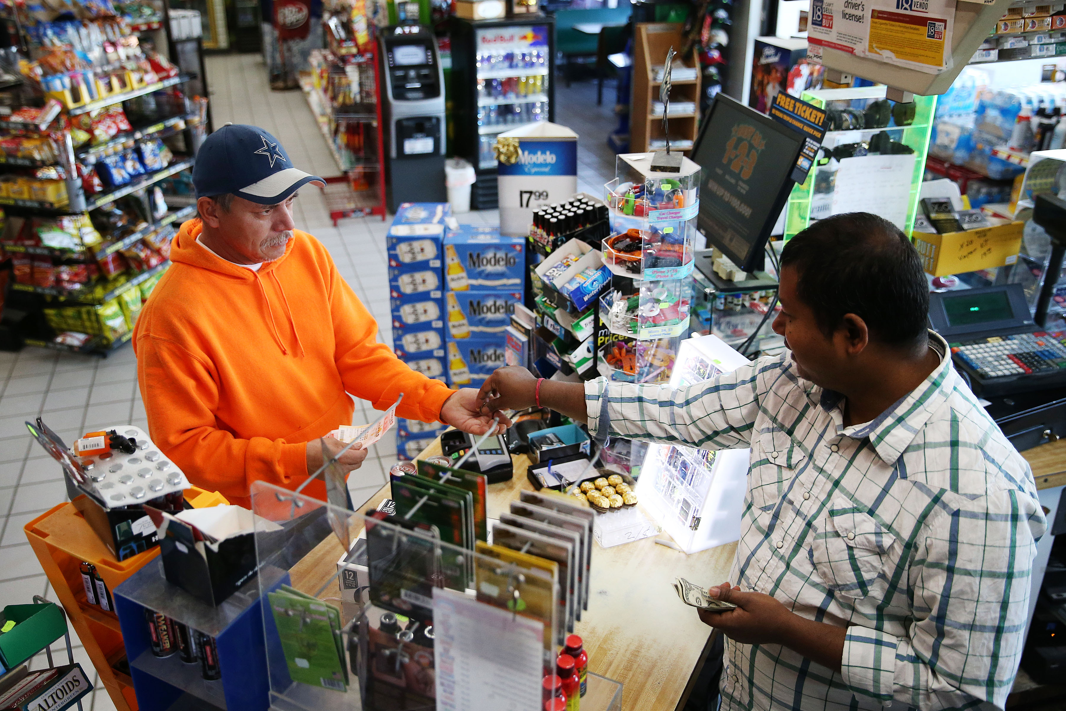 $1 6 billion Powerball jackpot goes to 3 winners in 3 states