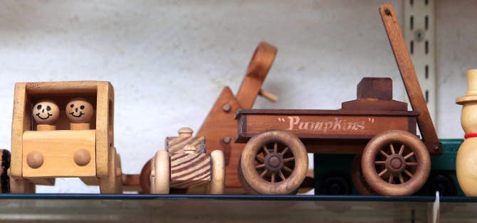 Toys For Retirees : Mckinney retirees build wooden toys for texas scottish